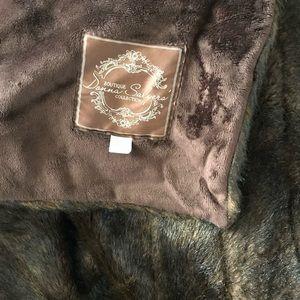 Donna Salyer's faux fur throw